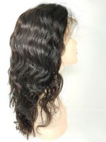 Front Lace Perücken - body wave (lockig) - natürliche Farbe